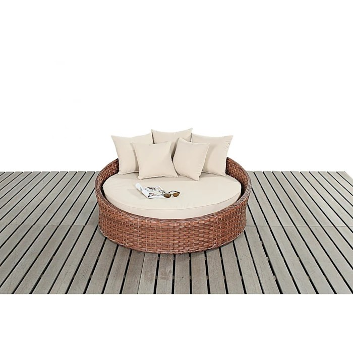 Bonsoni Small Daybed Colour Brown Includes A Circular Bed With A Thick Base Cushion And Matching Scatter Cushions For Added Comfort Rattan Garden Furniture Oleh Homify Klasik Homify