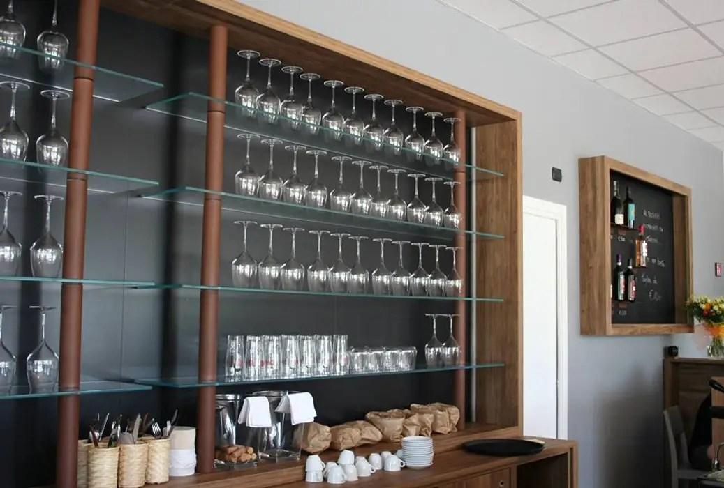 Costruiamo arredamenti bar roma con il su misura progettato che permette di offrire al cliente un potente mezzo per creare business. Semprelegno Modern Bars Clubs Wood Homify