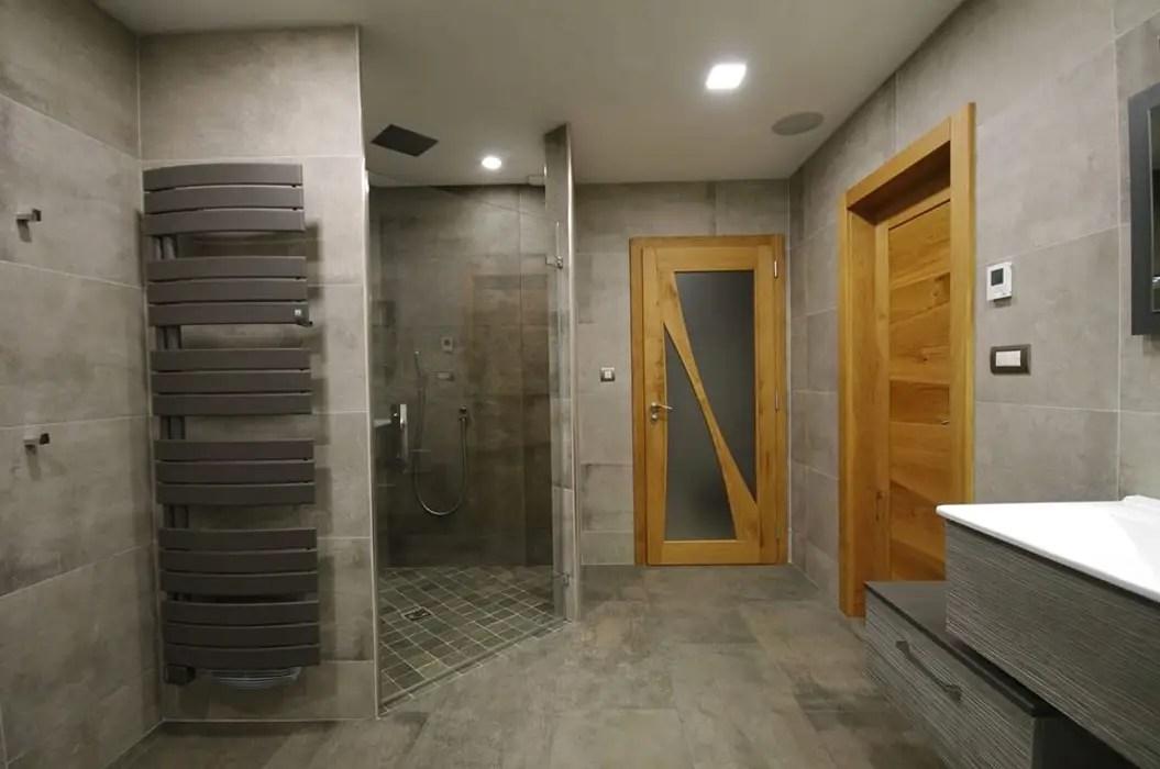 salle d eau spacieuse douche
