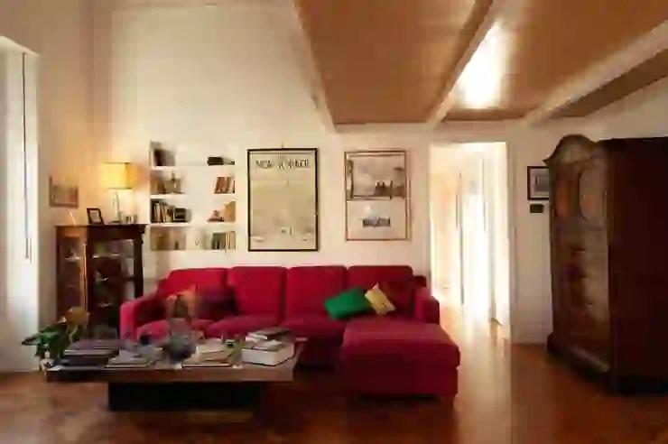 Le camere del primo e del secondo piano sono finemente arredate e hanno un tocco moderno perfettamente integrato nello stile antico del palazzo. Come Abbinare L Arredamento Antico E Moderno Homify