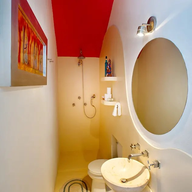 modern Bathroom by Taller Estilo Arquitectura