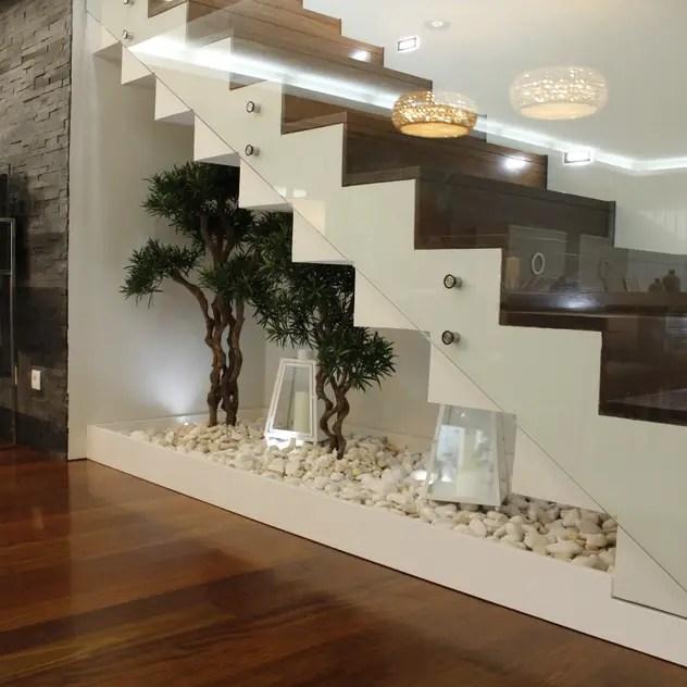 Corredores, halls e escadas clássicos por HC Interiores