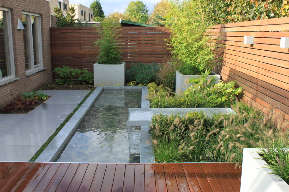 18 snazzy modern water features for your garden on Modern Backyard Water Feature id=94678