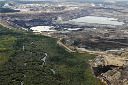 https://i1.wp.com/images.huffingtonpost.com/2010-08-27-tar_sands-open_pit.jpg