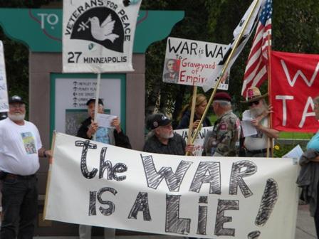 2011-09-01-obamaprotestamericanlegionwarisalieweb.JPG