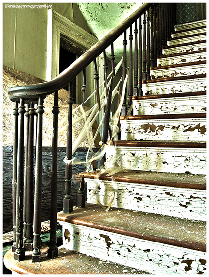 2014-01-03-AbandonedStairs2.jpg