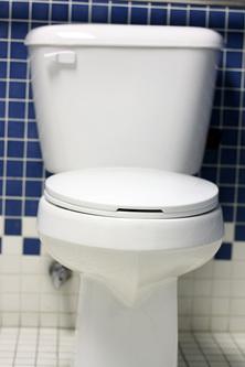 2014-04-01-bathroom3_moresmlr.jpg