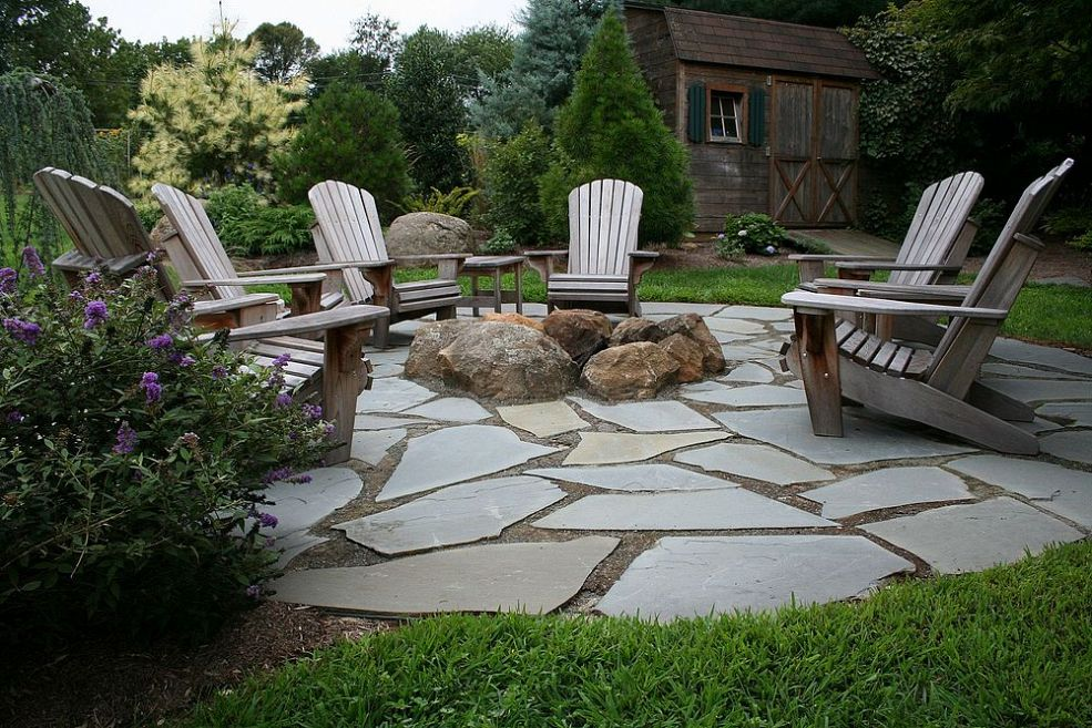 9 Ideas That'll Convince You to Add a Fire Pit to Your ... on Backyard Patio With Firepit id=74496