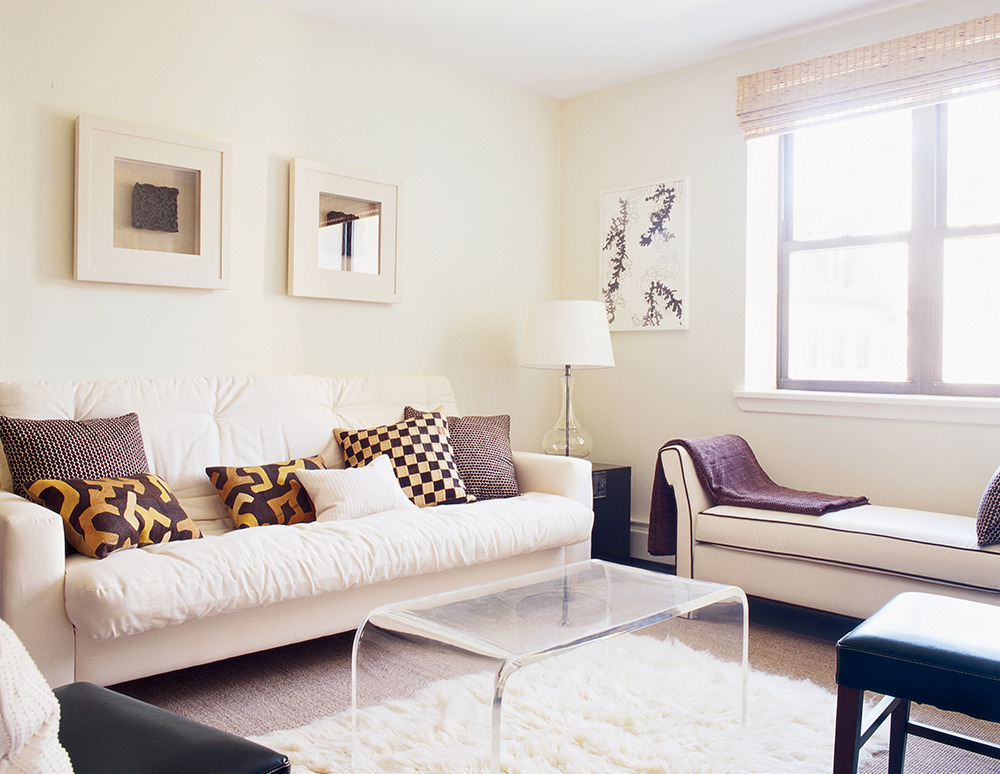 11 Small Living Room Decorating Ideas | HuffPost on Small Living Room Decorating Ideas  id=93667