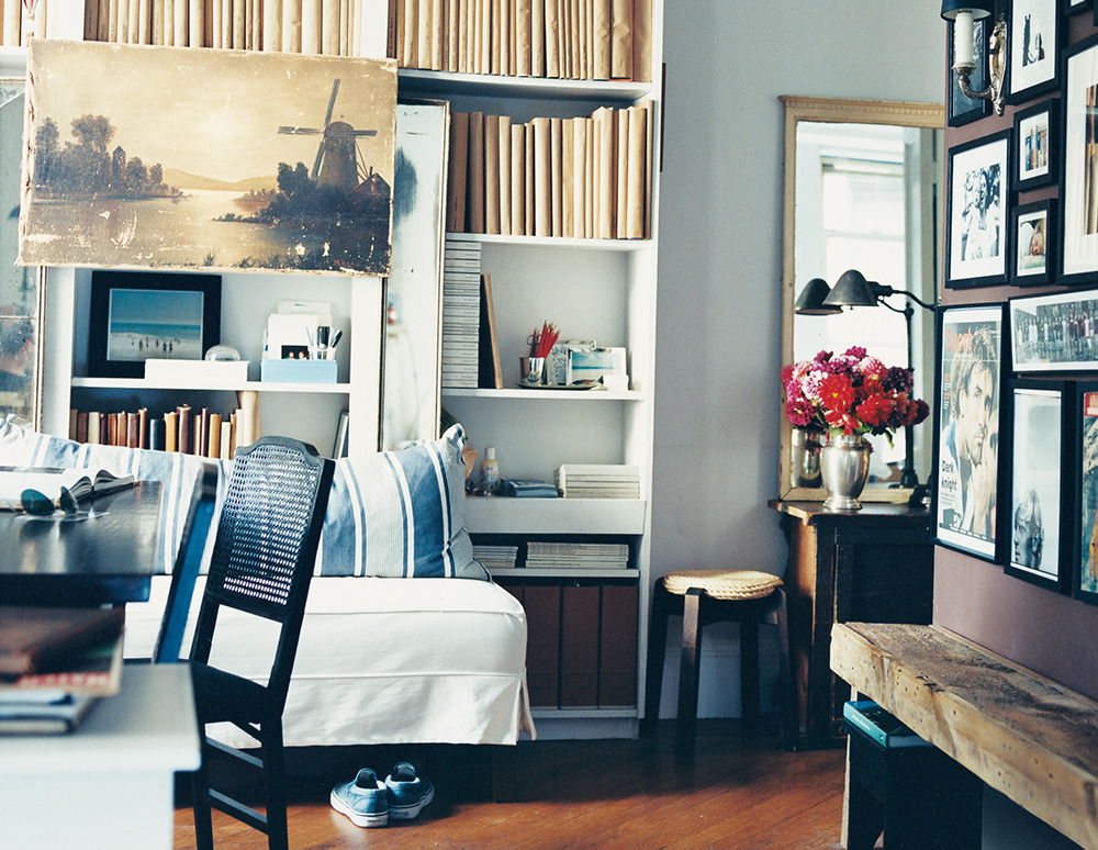 11 Small Living Room Decorating Ideas | HuffPost on Small Living Room Decorating Ideas  id=33153