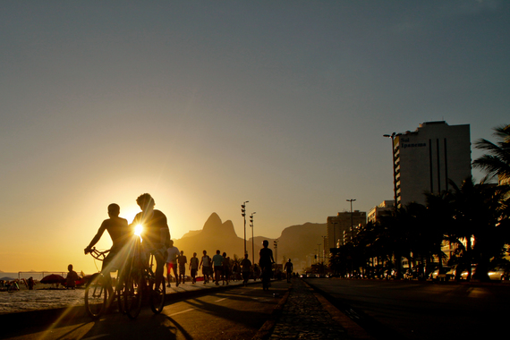 2015-04-09-1428567575-2536973-sunset_ipanema.jpg