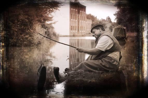 2015-06-01-1433194836-1007158-Bobbofishing.jpg