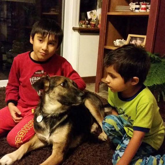 2015-08-06-1438883651-9122981-JennyFASwithfamily.jpg