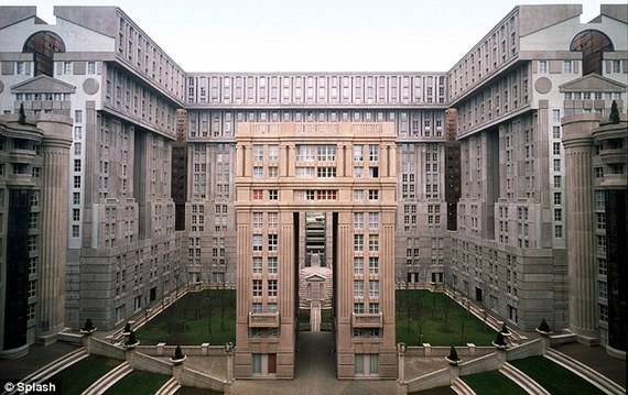 The Hunger Games In Paris A Futuristic Filming Location Huffpost