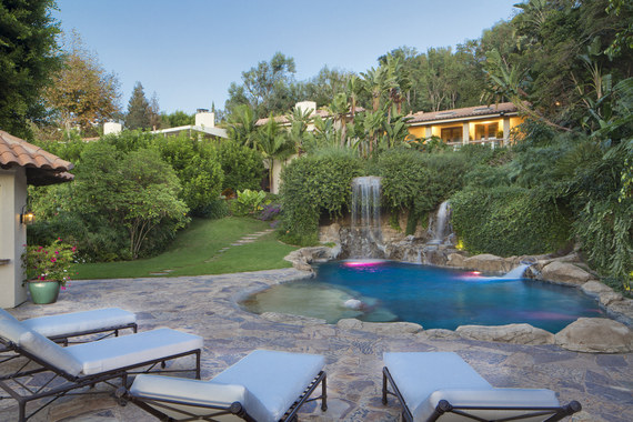 Tour Mark Wahlberg S 30 Million Beverly Hills Mansion