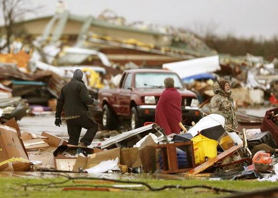 2016-01-11-1452556025-8380692-tornadodamageGarlandTXdec272015Sourcewww.usnews.comccr311.jpg