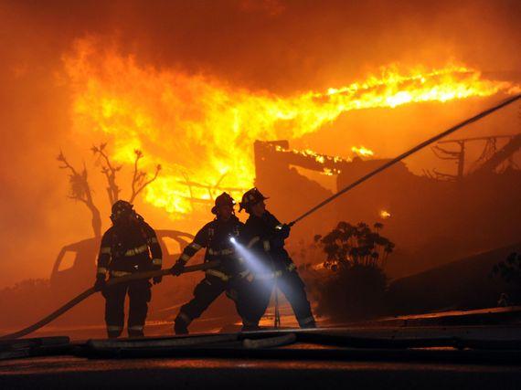 2016-02-16-1455645397-90311-firefromexplodinggaslineSourcewww.usatoday.comccr316.jpg