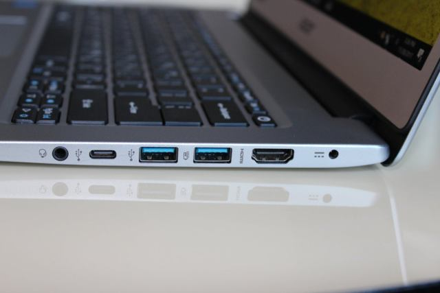acer swift 1 right ports