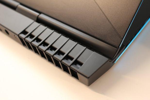 alienware 17 r5 rear vents detail
