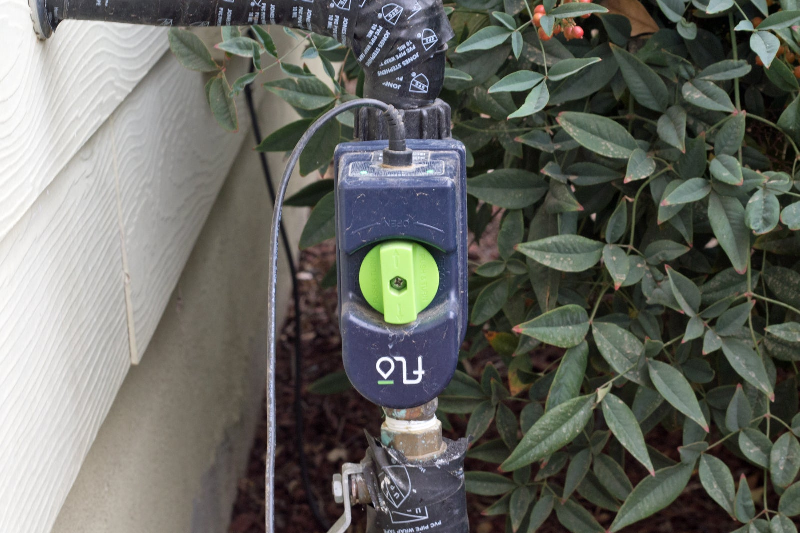 Flo By Moen Smart Water Valve Review The High Price Of