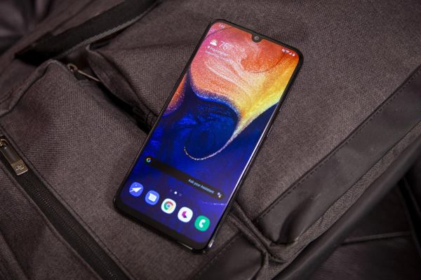 Samsung Galaxy A50 review: A $350 phone that gives Galaxy ...