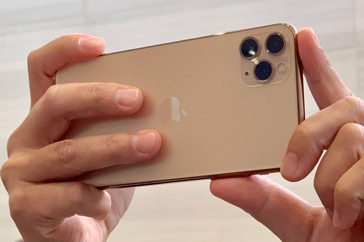 iphone 11 pro camera array