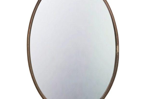 espejo de pared ovalado de metal desgastado con un estante integral súper útil