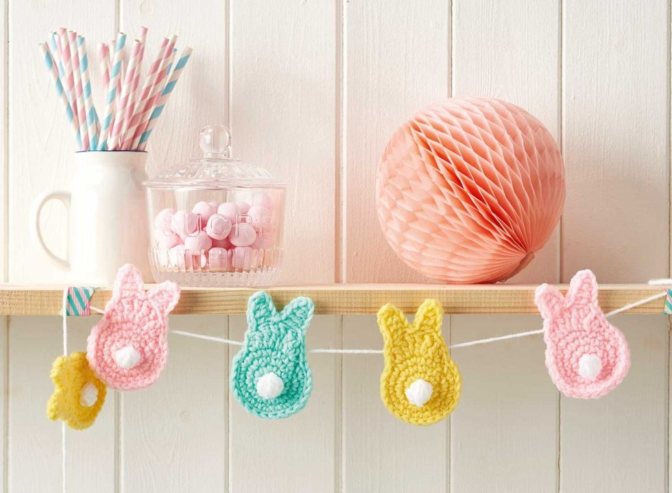 How to make easy crochet bunny bunting cropped