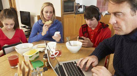 Parents Stop Using Your Smartphone At The Dinner Table