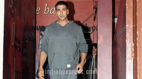 Akshay Kumar apologises after bodyguard punches fan | The ...