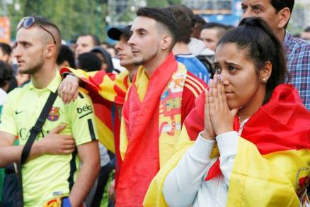 PHOTOS: Spain, England crash out of Euro 2016; fans mourn ...