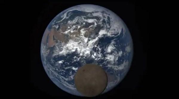 Moon photobombs Earth again in new NASA image ...