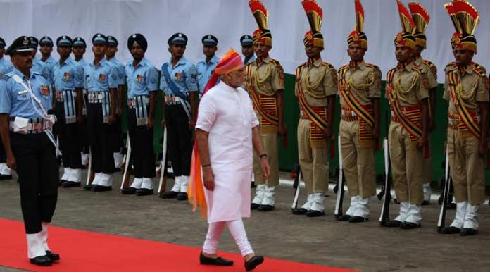 PM Narendra Modi guard of honour on the 70th indian Independence day celebrations at the Red fort in the capital New Delhi on monday. Express Photo by Tashi Tobgyal New Delhi