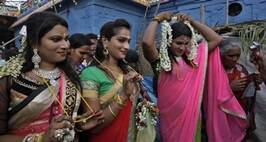 Without Any ID Cards, How The Transgenders Have Been Coping With Note Ban