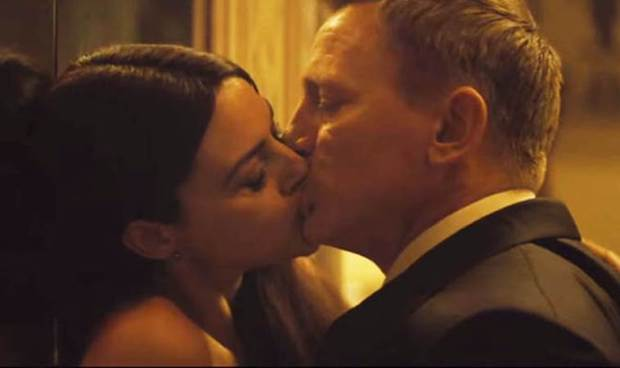 The kissing scene from Spectre.