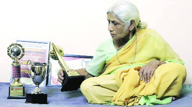 Dandekar was the first woman teacher at Sardar Patel College of Engineering, Andheri, and Veermata Jijabai Technological Institute, Matunga. After her retirement, Anita took to social work and groomed girls to beat gender bias. Prashant Nadkar
