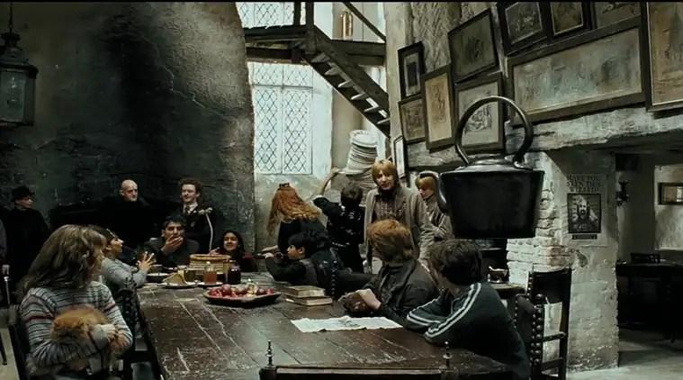 harry potter, harry potter pub, the leaky cauldron, the cauldron