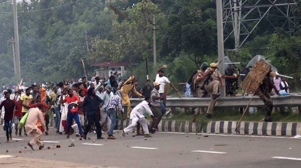 When Haryana Was Burning & Journalists Were Attacked; Lady Officer From Odisha Brought Everything Under Control!
