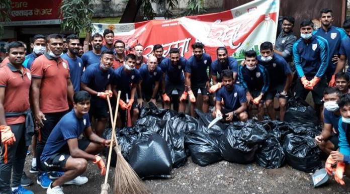 narendra modi, indian footballers, Stephen Constantine, Swachhata Hi Seva, india football, indian football cleanliness drive, football, sports news, indian express