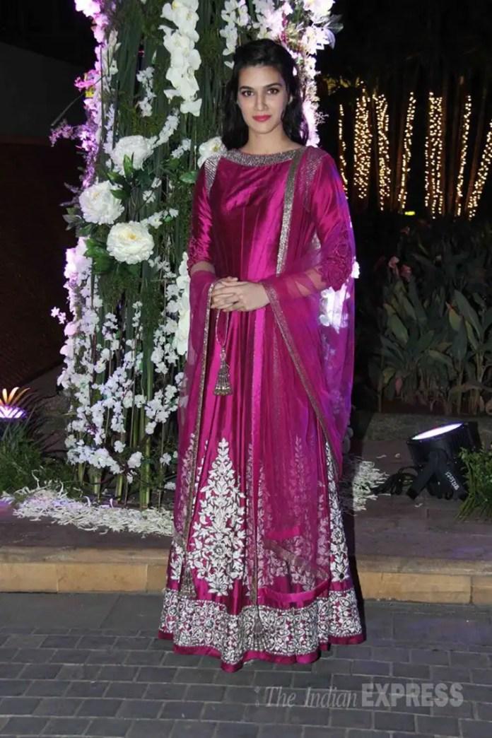 kriti sanon, malaika arora khan, gauahar khan, purple lehenga, celeb fashion, navratri, navratri fashion, navratri colours, indian express, indian express
