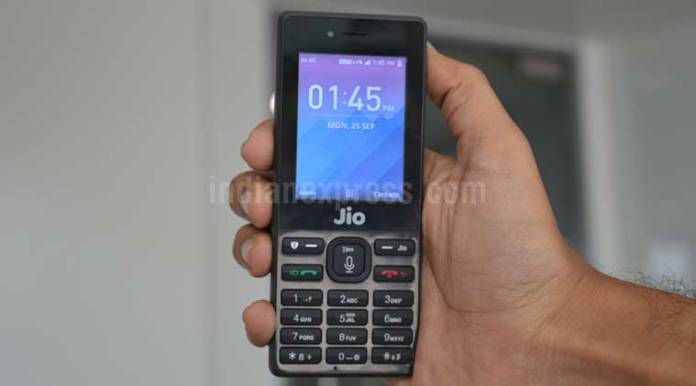 Reliance JioPhone, Jio Phone delivery date, Reliance Jio, JioPhone cost, JioPhone features, JioPhone hotspot feature, JioPhone WiFi feature, JioPhone bluetooth, JioPhone specifications, JioPhone top features