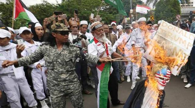 indonesia, trump protest, jerusalem, jakarta, israel, anti us protest, indonesia muslims, world news, indian express