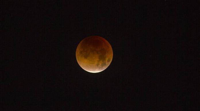 total lunar eclipse, lunar eclipse, Lunar eclipse dubai, Dubai astronomy group, longest lunar eclipse, blood moon, mars, astronomy news, world news