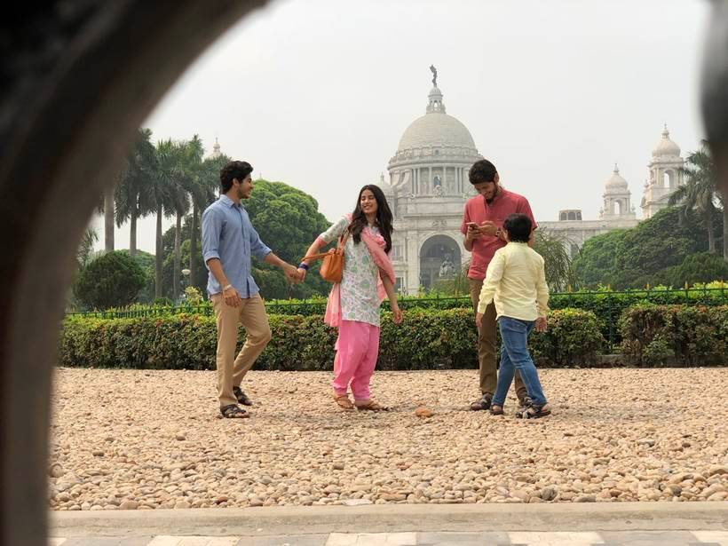 Ishaan Khatter and Janhvi Kapoor dhadak photos from kolkata