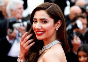 Mahira Khan, cannes 2018, cannes film festival, Mahira Khan at cannes, mahira khan cannes looks, mahira khan cannes red carpet, mahira khan fashion, entertainment news, fashion news, indian express