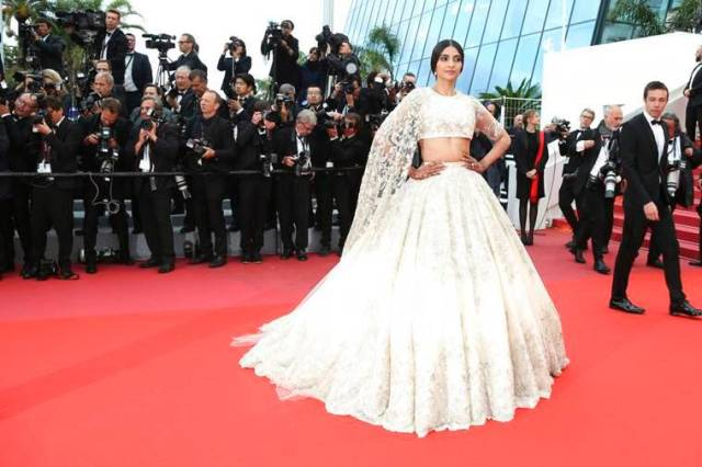 sonam kapoor images from cannes film festival