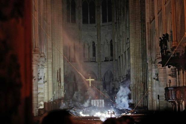 paris fire, paris notre dame cathedral, paris notre dame cathedral fire, fire at paris notre dame cathedral, fire at notre dame cathedral, notre dame cathedral paris, world news, Indian Express