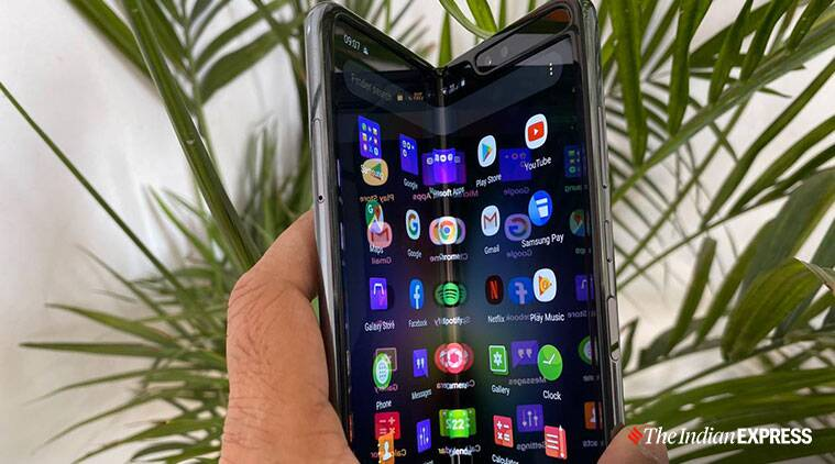 Samsung Galaxy Fold, Samsung Galaxy Fold 2, Samsung Galaxy Fold 2 launch, Samsung Galaxy Fold 2 under display camera, Samsung Galaxy Fold 2 leaks, Samsung Galaxy Fold 2 specifications