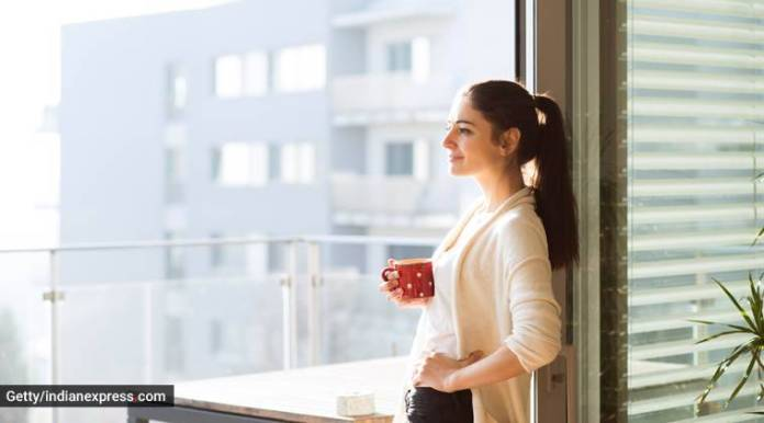 sunshine, sunlight, vitamin D deficiency, signs of vitamin D deficiency, what to keep in mind about vitamin D deficiency, healthy, indian express, indian express news
