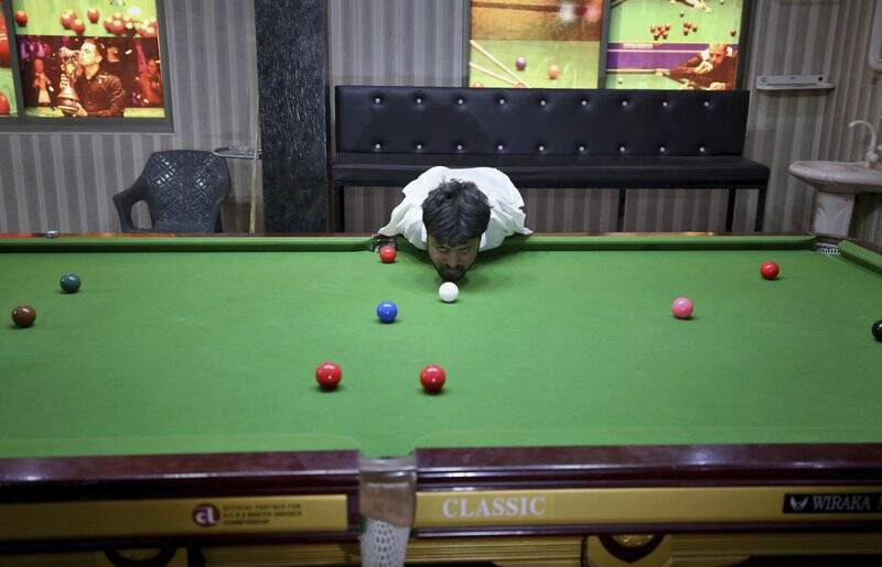 800 1 No arms, no issue for Pakistan snooker player Mohammad Ikram
